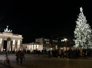(Tiia Sahrakorpi) The Brandenburg Gate at night a few days before Christmas.