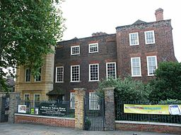 Sutton_House_1